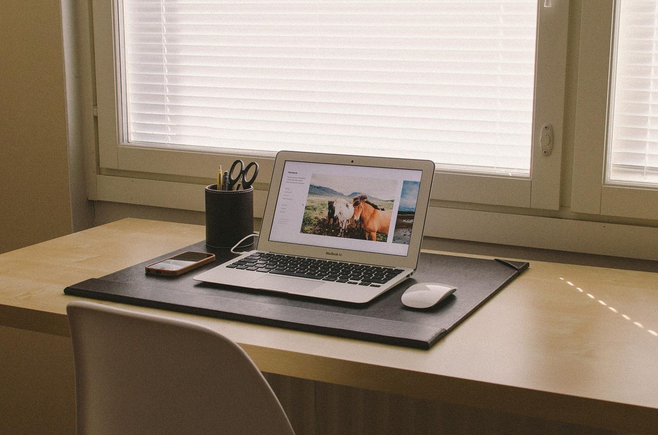 【ブログで稼ぐおすすめの方法】情報発信ブログの作り方