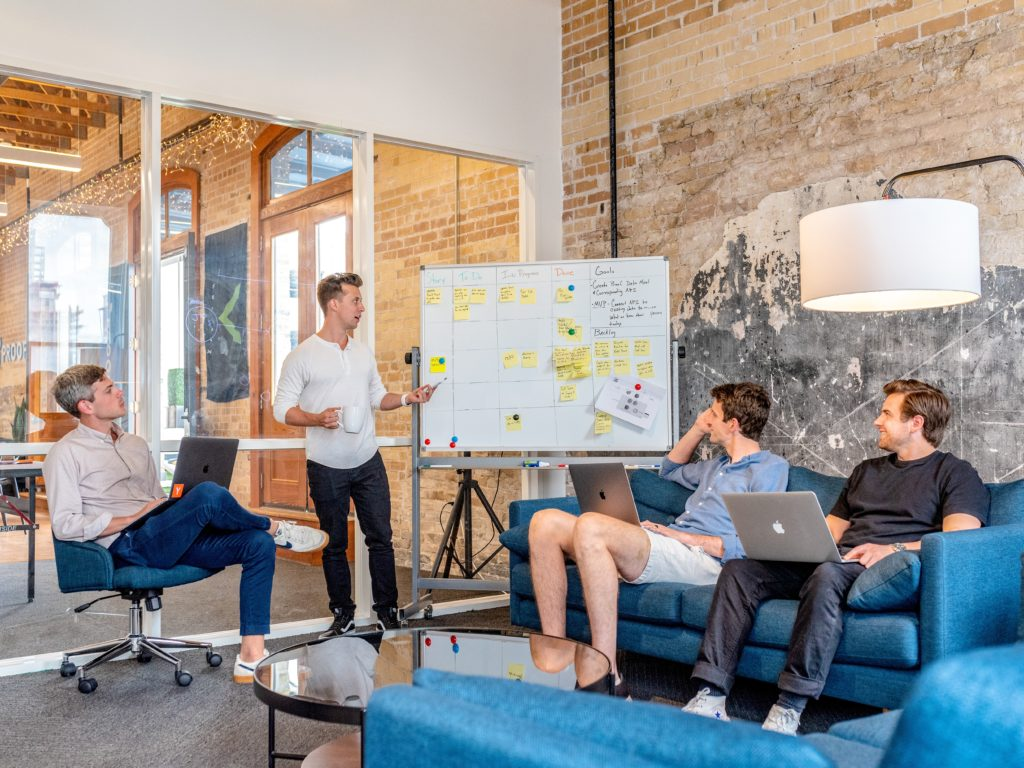 コンサルタントで起業するにはネット集客を活用すべし!お金をかけずに成功する方法
