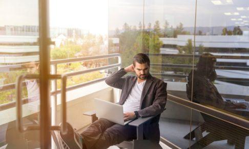 起業か?転職か?悩んでいるなら副業から独立をおすすめする理由