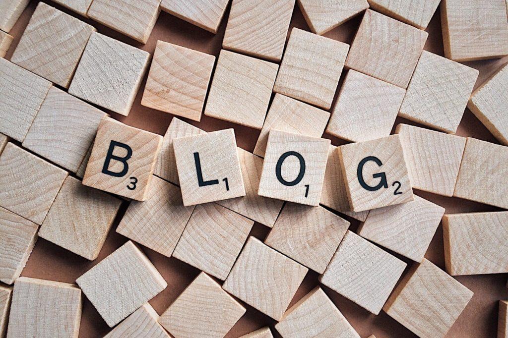 年収1000万円越えも可能な情報発信ブログ起業とは?